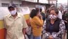 Brasileños esperan día y noche para recibir un vacuna