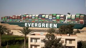 Egipto confisca el barco Ever Given y pide compensación