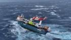 Así rescataron a una tripulación en medio de un temporal