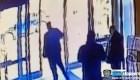 Video de seguridad muestra ataque contra mujer asiática