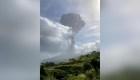 Ve la explosión del volcán La Soufrière desde el espacio