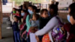 Menos niños no acompañados bajo custodia en EE.UU.