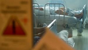 ¿Por qué aumenta la cantidad de jóvenes hospitalizados?