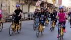 Mujeres pedalean sus bicicletas para reclamar libertad