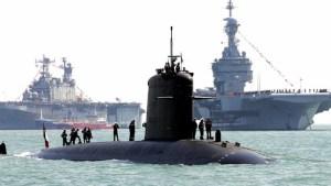 Cortan dos submarinos a la mitad para reconstruir uno
