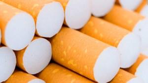 Se hunden las acciones de fabricante de cigarrillos