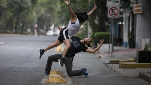 Reinterpretan caídas virales en una ciclovía de Puebla