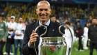Zinedine Zidane sale en defensa del Real Madrid