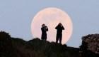 La noche de este lunes habrá una superluna rosa
