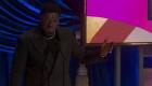 Ganador del Oscar bromea sobre la vida sexual de su mamá