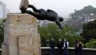 Derriban estatua de conquistador español en Cali