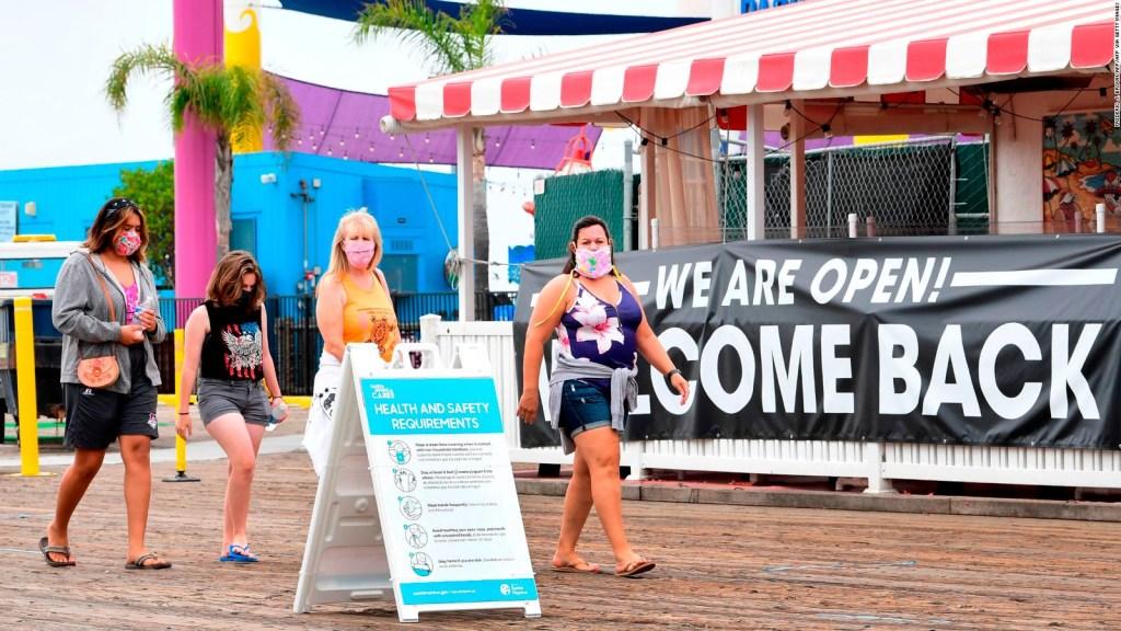 California dirá adiós a uso de mascarillas en exteriores