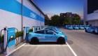 Revel lanza app de transporte solo con autos eléctricos