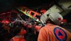 Topos: Hay gente aplastada bajo escombros del metro