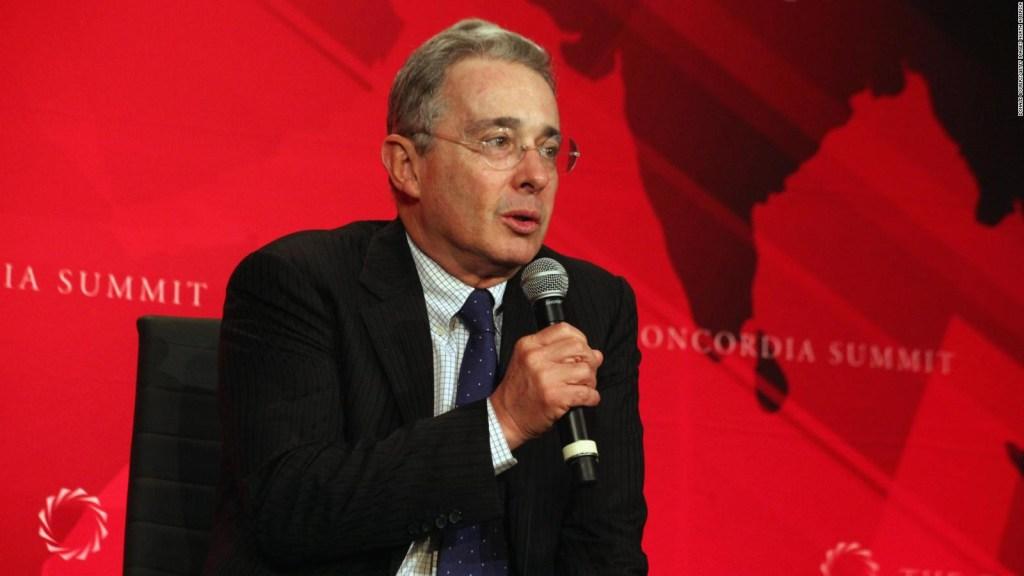 Álvaro Uribe pide proteger los derechos humanos de los policías
