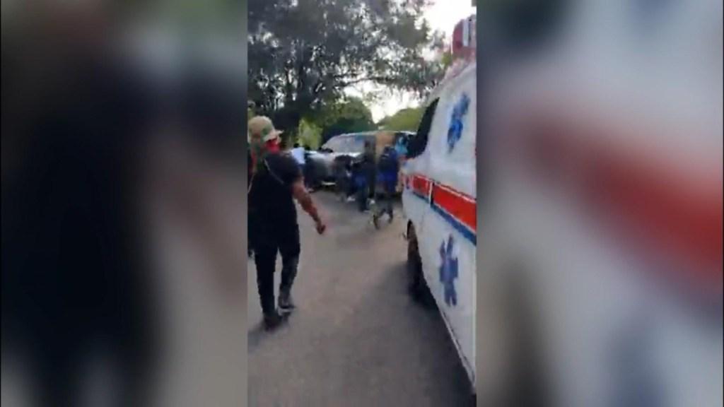 Convulsión en Cali: personas corren entre balacera