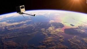 Planean lanzar un pequeño satélite de madera al espacio