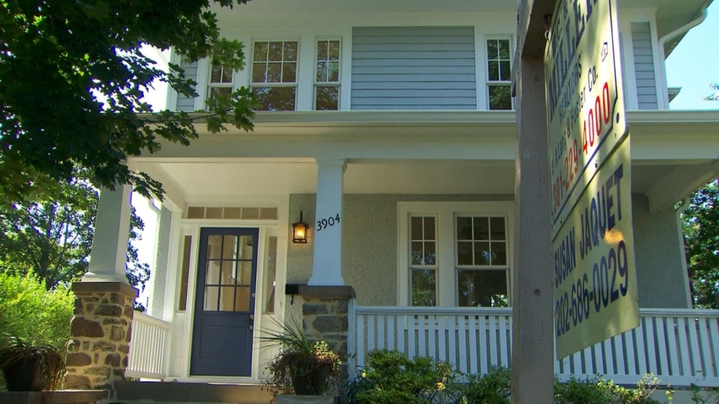 Aumentan los precios y las compras de pánico de casas