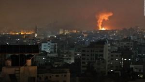 Edificios para refugiados dañados por los ataques en Gaza