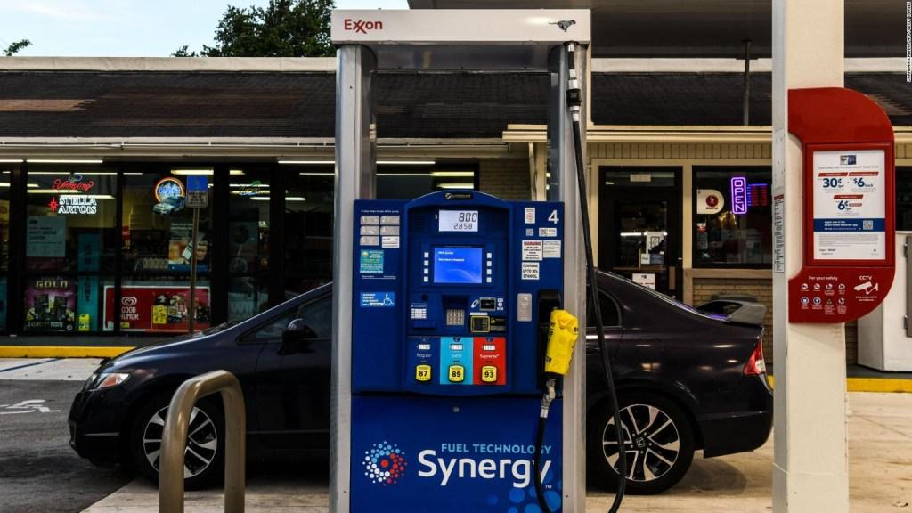 Florida comienza a abastecerse de gasolina