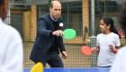 Los duques de Cambridge sorprenden jugando al ping pong