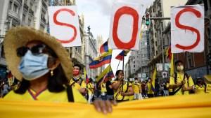 Investigan muertes de jóvenes involucrados en protestas en Colombia