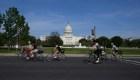 Republicanosy demócratas polemizan por la mascarilla en el Congreso