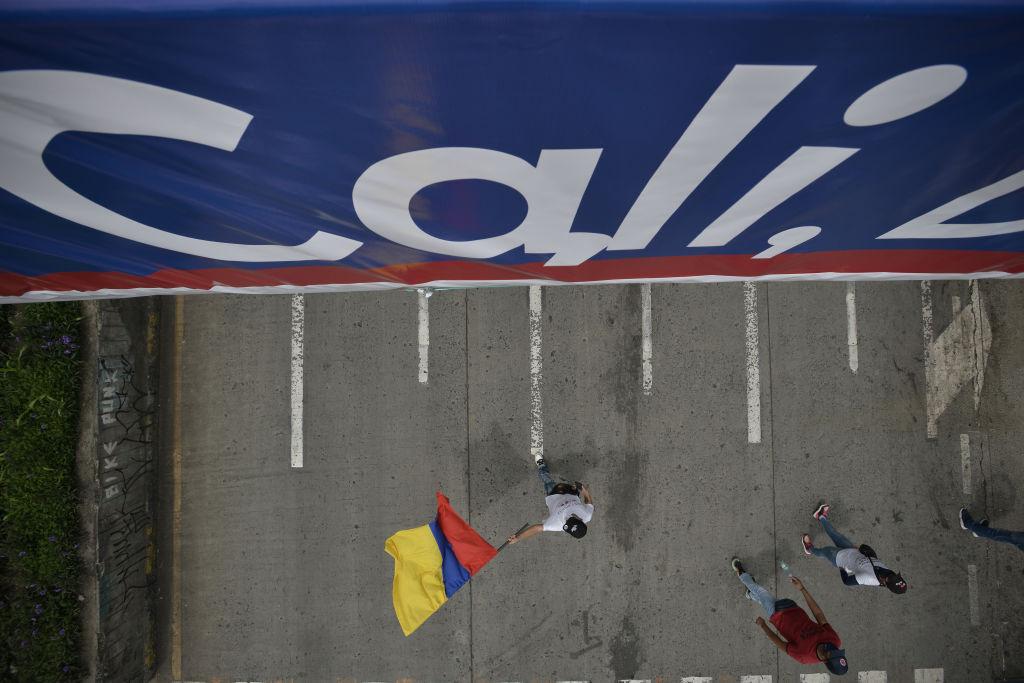 En Cali levantan un centenar de bloqueos de vías