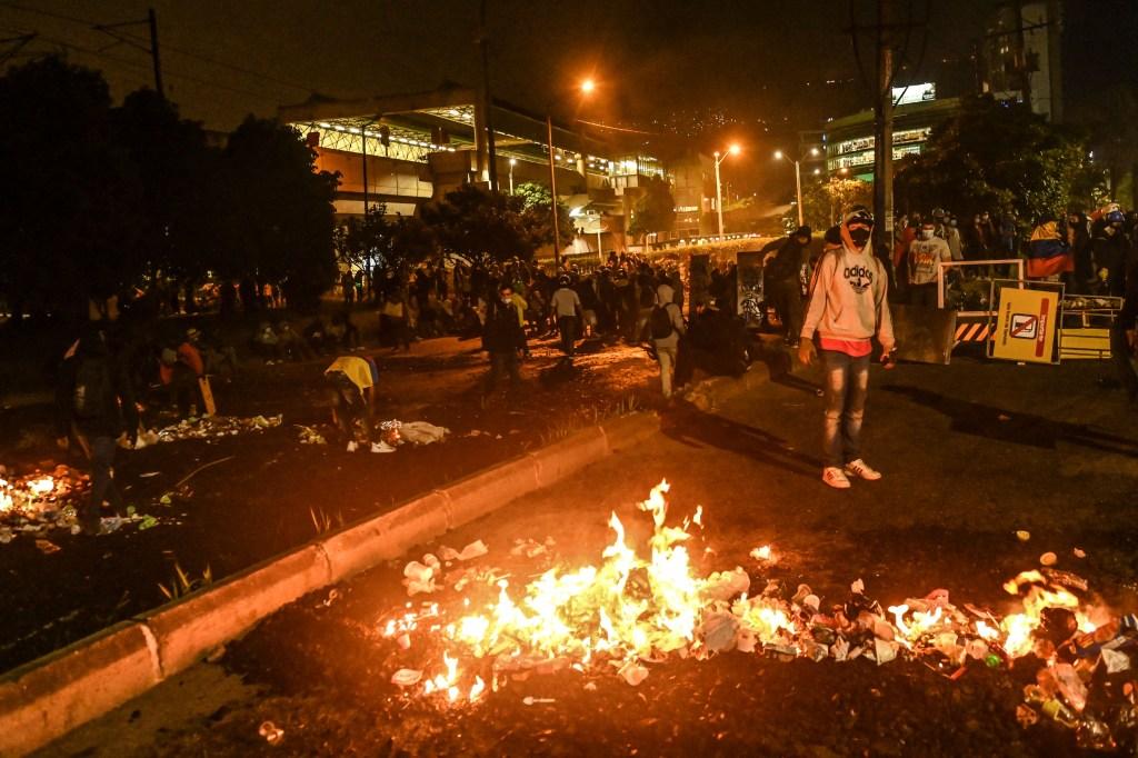 Diálogos en Colombia están congelados y hubo disturbios