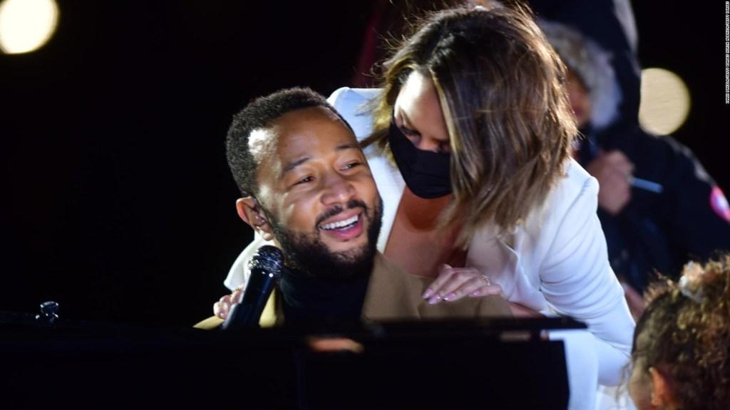 John Legend apoya a su esposa en medio de escándalo