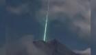 Mira un meteorito caer en cráter de volcán