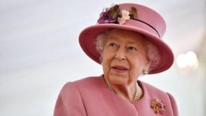 ¿Por qué la reina Isabel II se viste con tantos colores?