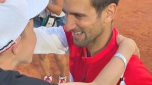 Niño que recibió raqueta de Djokovic: Un honor asesorarlo