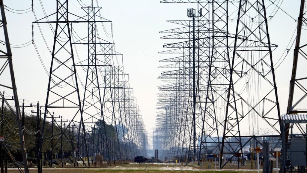 Piden conservar energía a la población de Texas