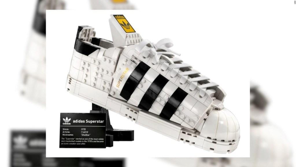 Lego lanzará su versión de clásica zapatilla de Adidas