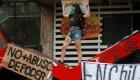 Lo que hace que la gente salga a protestar en América Latina