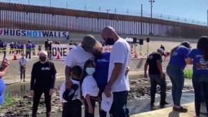 """""""Abrazos, no muros"""" en la frontera sur de EE.UU."""