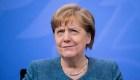 Merkel se vacunó con dosis de distintos laboratorios