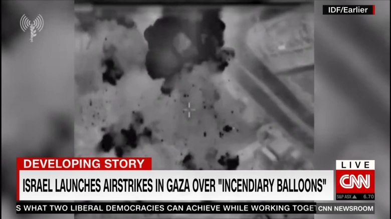 Video muestra ataques aéreos de Israel en respuesta a globos incendiarios lanzados desde Gaza