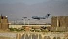 EE.UU. entrega base militar en Afganistán