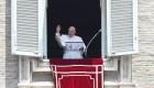 El papa deja el hospital tras recibir el alta