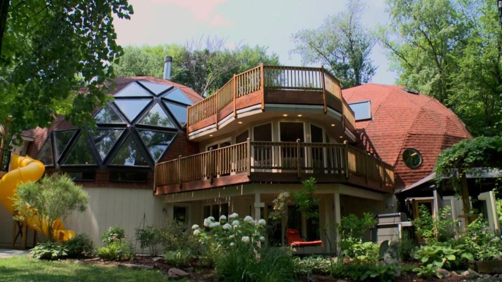 Esta casa con pasajes secretos y cúpula está a la venta