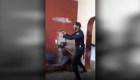 Denuncia que policía le dispara a su marido y se lo lleva