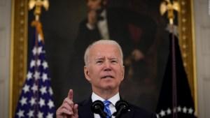 Biden se reúne con congresistas hispanos y ofrece apoyo