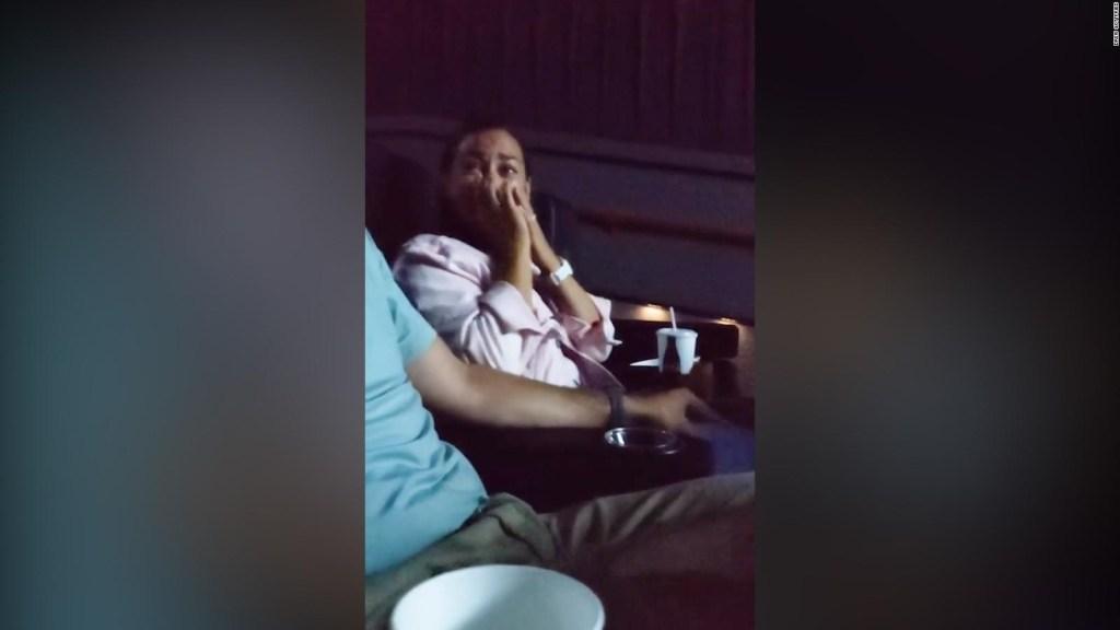 Sorprende a su esposa con un video perdido de su boda