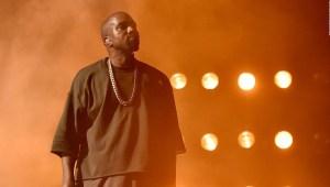 Kanye West usa un estadio como estudio de grabación
