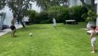 Messi de vacaciones: a pura playa, música y fútbol