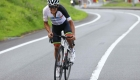 Richard Carapaz inspira a niños a triunfar en el ciclismo