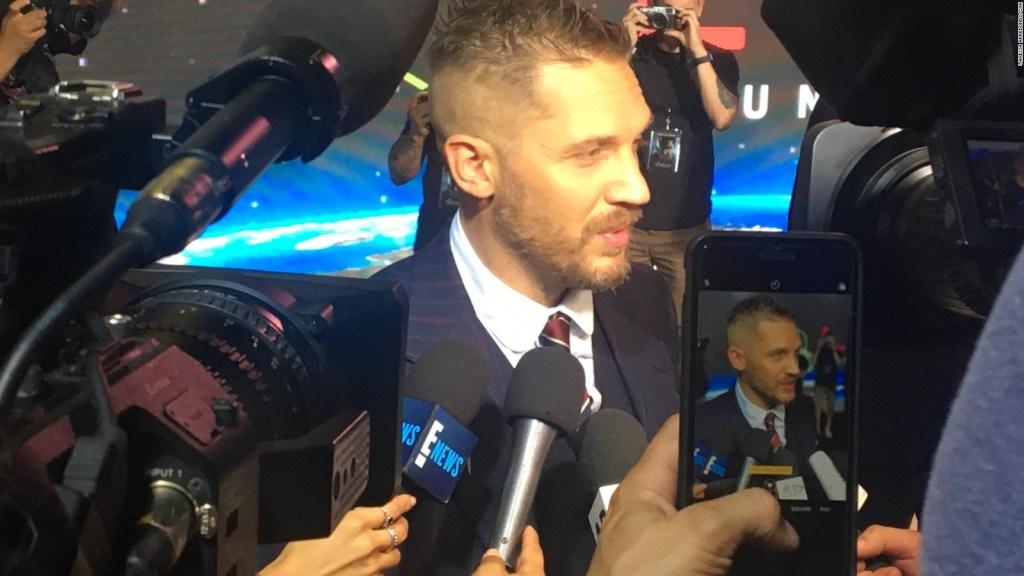 """Tom Hardy pone de su puño y letra para la nueva película de """"Venom"""""""