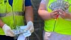 Una familia tira por error US$ 25.000 a la basura